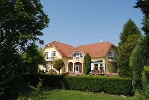 Villa Hedi Panzió Cover Picture