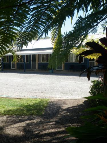 Tin Can Bay Motel Cover Picture