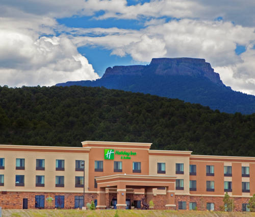 Holiday Inn and Suites Trinidad Cover Picture