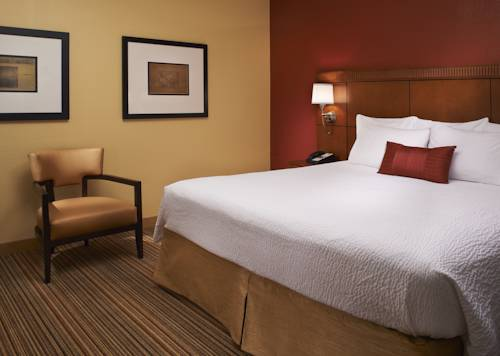 Courtyard by Marriott Louisville East Cover Picture
