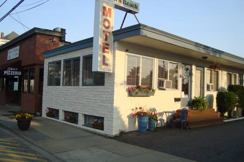 Town & Beach Motel Cover Picture