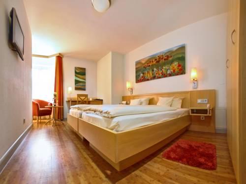 Hotel zum Ochsen Cover Picture