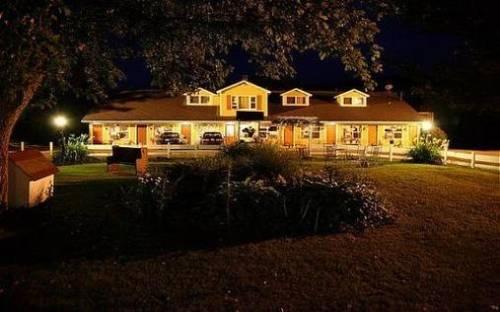 Vintage Motel Wilmington Cover Picture