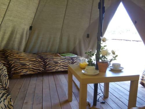 CampTom Camping Cover Picture