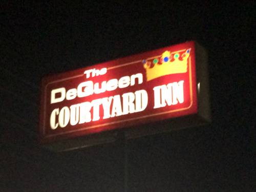 DeQueen Courtyard Inn Cover Picture