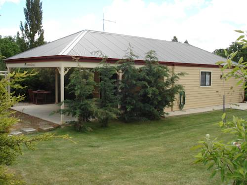Gumtrees Cottage Cover Picture