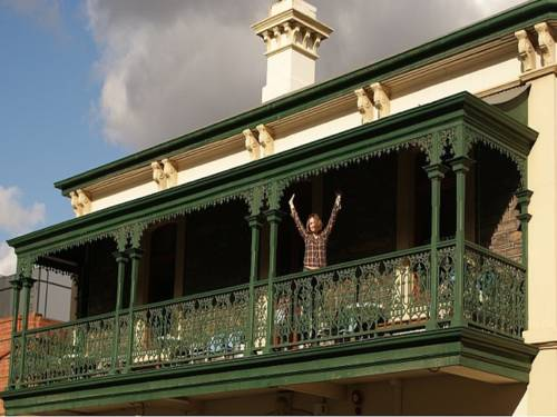 Adelaide's Shakespeare Backpackers International Hostel Cover Picture