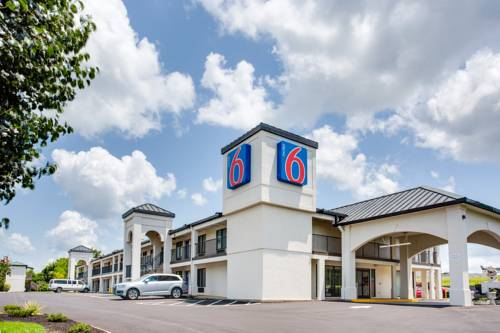 Motel 6 White House Cover Picture