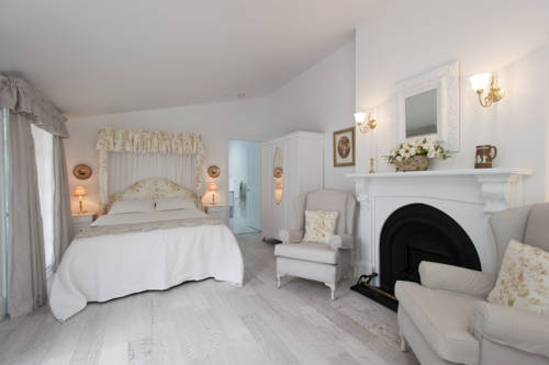 White Dove Cottage Bed and Breakfast Cover Picture