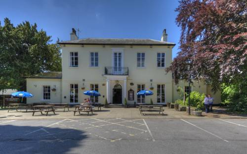 The Elms Inn by Good Night Inns Cover Picture