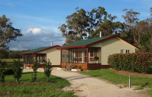 Maric Park Cottages Cover Picture