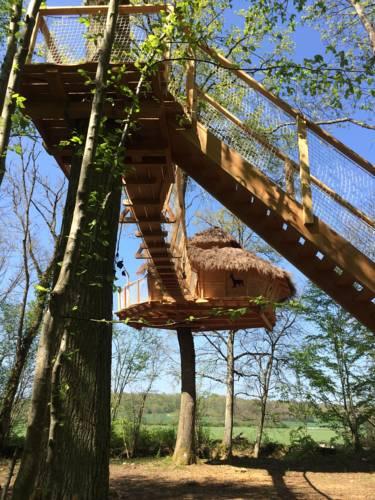 Les Cabanes au Bois d'Orient Cover Picture
