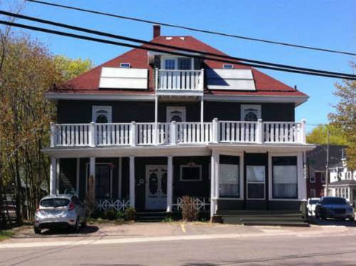 Colonial Charm Inn Bed & Breakfast Cover Picture