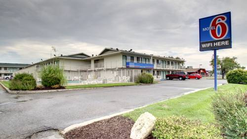 Motel 6 Manhattan Kansas Cover Picture