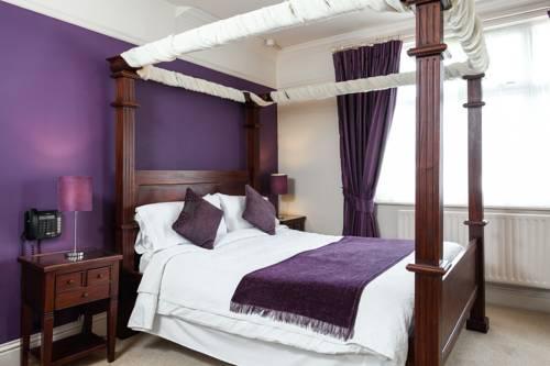 Hotel De Vie Cover Picture