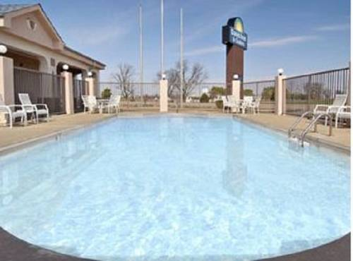 Days Inn & Suites Osceola Cover Picture