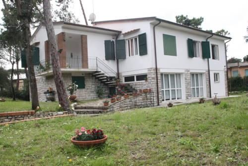 Villa Aurora Cover Picture