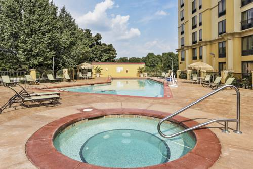 La Quinta Inn & Suites Hickory Cover Picture