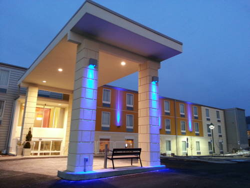 Holiday Inn Express Pittsburgh - Munhall Cover Picture