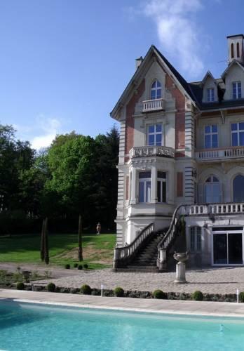 Château des Forges Cover Picture
