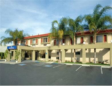 Howard Johnson Inn & Suites Reseda Cover Picture