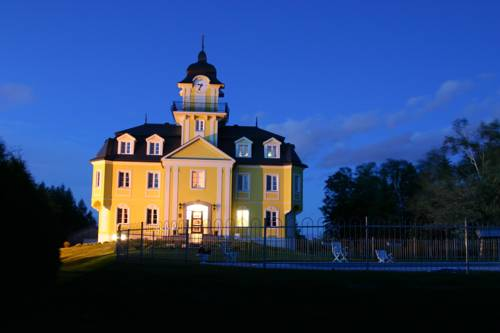 Golf & Hotel Stastny Cover Picture