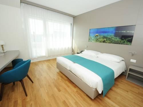 Aquatis Hotel Cover Picture