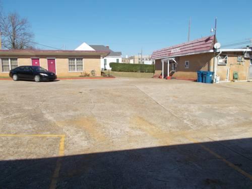 Hillside Motel Cover Picture