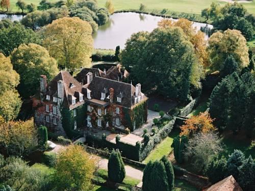 Château Les Dryades Golf & Spa Cover Picture