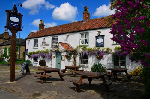 The Castle Arms Inn Cover Picture