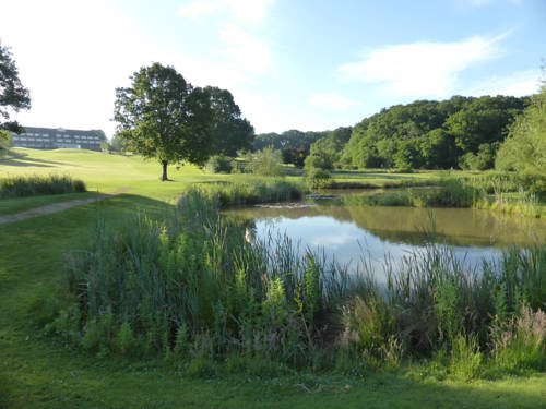 London Beach Country Hotel, Golf Club & Spa Cover Picture