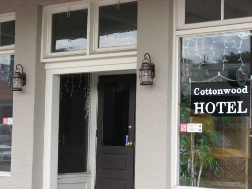 Cottonwood Hotel Cover Picture