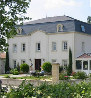 Le Pavillon de Margaux Cover Picture