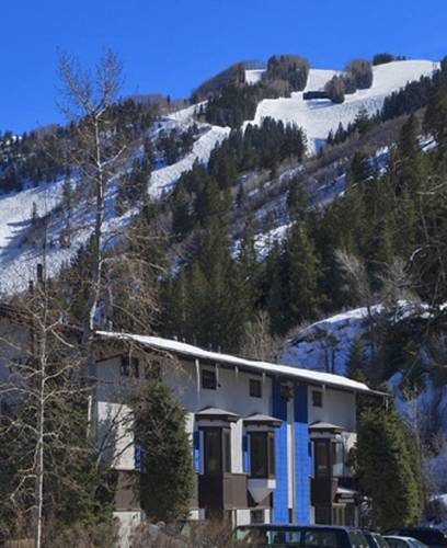 St Moritz Lodge and Condominiums Cover Picture