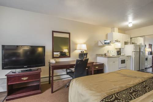 Econo Lodge Inn & Suites High Level Cover Picture