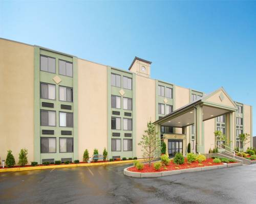 Comfort Inn & Suites Fall River Cover Picture
