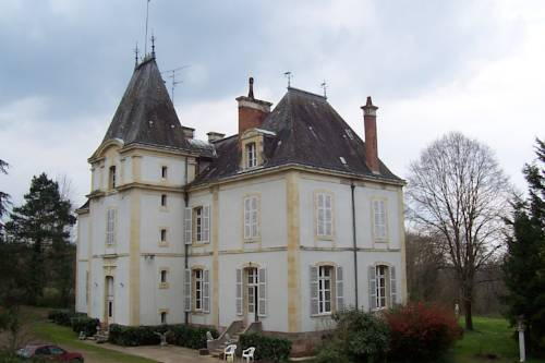 Chateau Champigny Cover Picture
