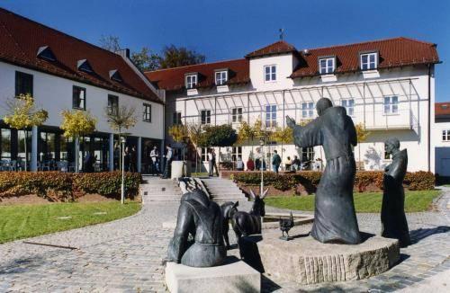 Akademie Schönbrunn Gästehaus St. Klara Cover Picture