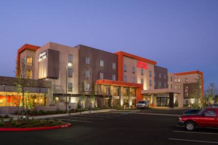 Hampton Inn & Suites Portland/Vancouver Cover Picture