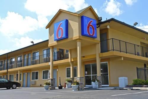 Motel 6 Oshkosh Cover Picture