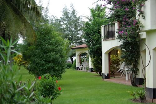 Kololi Beach Resort Cover Picture