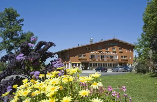 Hotel Restaurant La Spatule, Logis du Jura Cover Picture