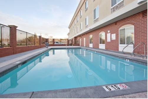 Holiday Inn Express Sacramento Cal Expo Cover Picture