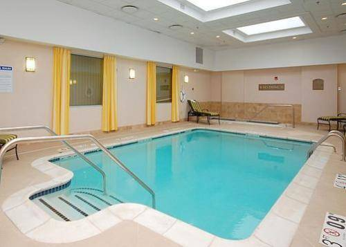 Clarion Hotel & Suites Hamden - New Haven Cover Picture