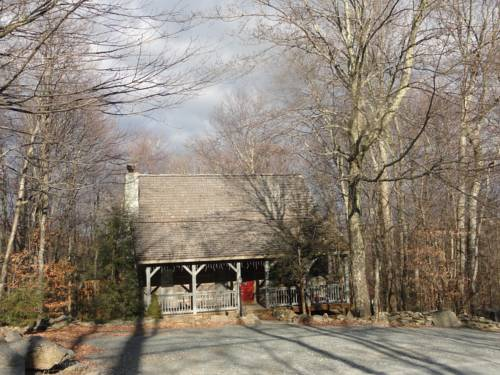 Doc's Cozy Cabin by VCI Real Estate Services Cover Picture