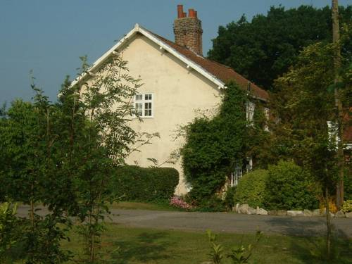 Claxton Hall Cottage Cover Picture