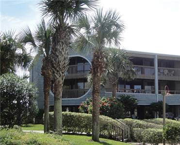 Hibiscus Oceanfront Resort Cover Picture