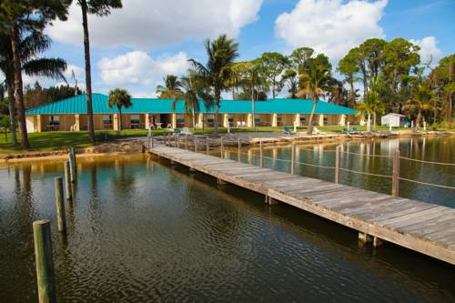 Lake Grassy Inn & Suites Cover Picture