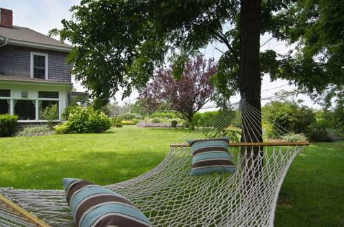 Shorecrest Bed and Breakfast Cover Picture