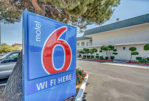 Motel 6 Tracy Cover Picture
